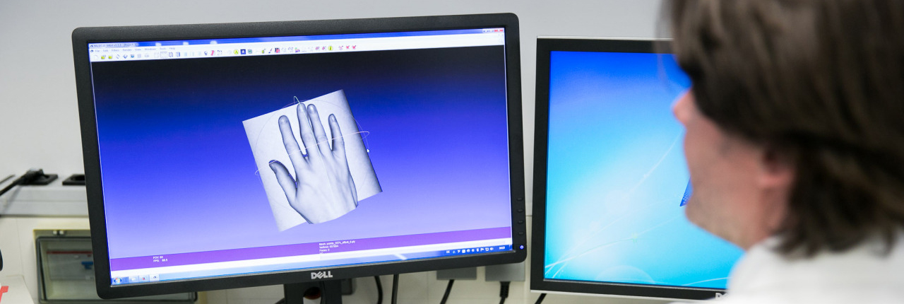 Axel Hagen am Computer