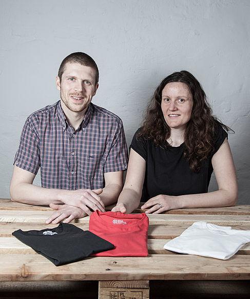 Anton Wundrak und Doreen Zelmer vom Unternehmen DNA Merch.