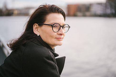 Yvonne Schoper an der Spree