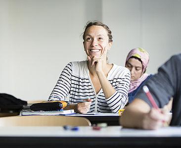 Eine Studentin im Sprachunterricht