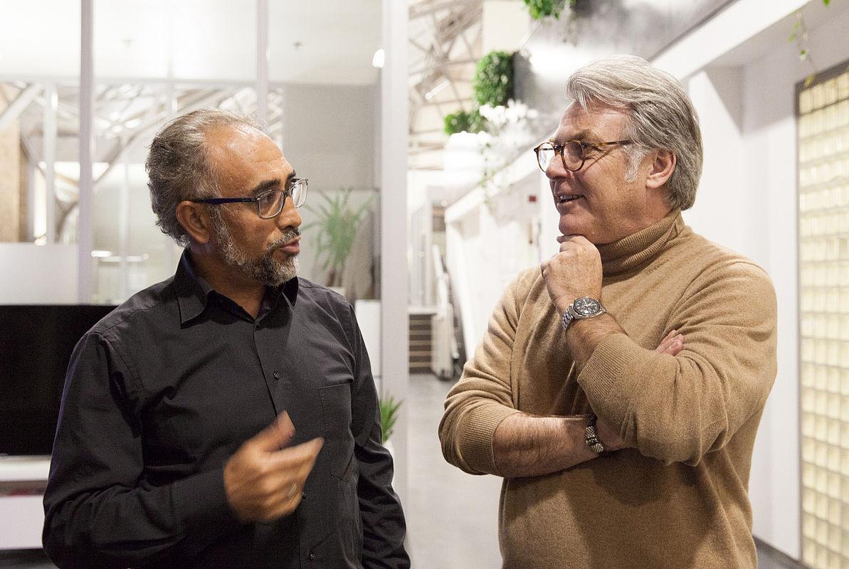 Jochen Prümper (rechts) mit Erdal Ahlatci, CEO von movingimage