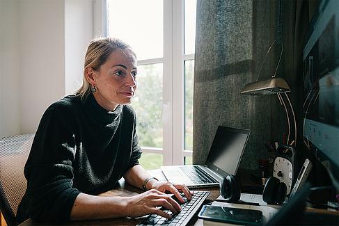 Ricarda Rehwaldt arbeitet an ihrem Buch