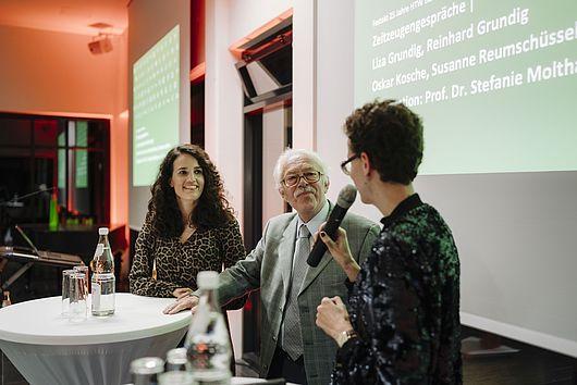 Liza und Reinhard Grundig im Zeitzeugengespräch mit Vizepräsidentin Stefanie Molthagen-Schnöring