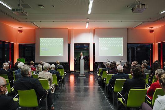 Steffen Krach während seiner Rede