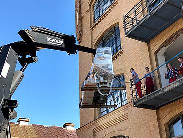 Anlieferung 3D-Strickmaschine